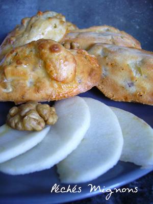 Entrée chaude, Oeufs, Fruits secs, Pommes, Fromage, Roquefort,
