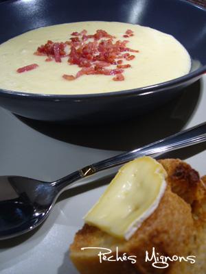 Céleri, Crème, Entrée chaude, Fromage, Lait, Lardons, Pommes de terre, Reblochon, Soupe