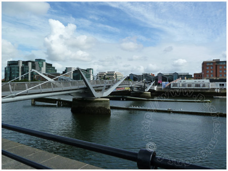 Pont River Liffey
